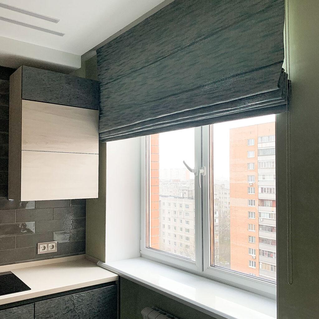 Римские шторы на окнов кухню