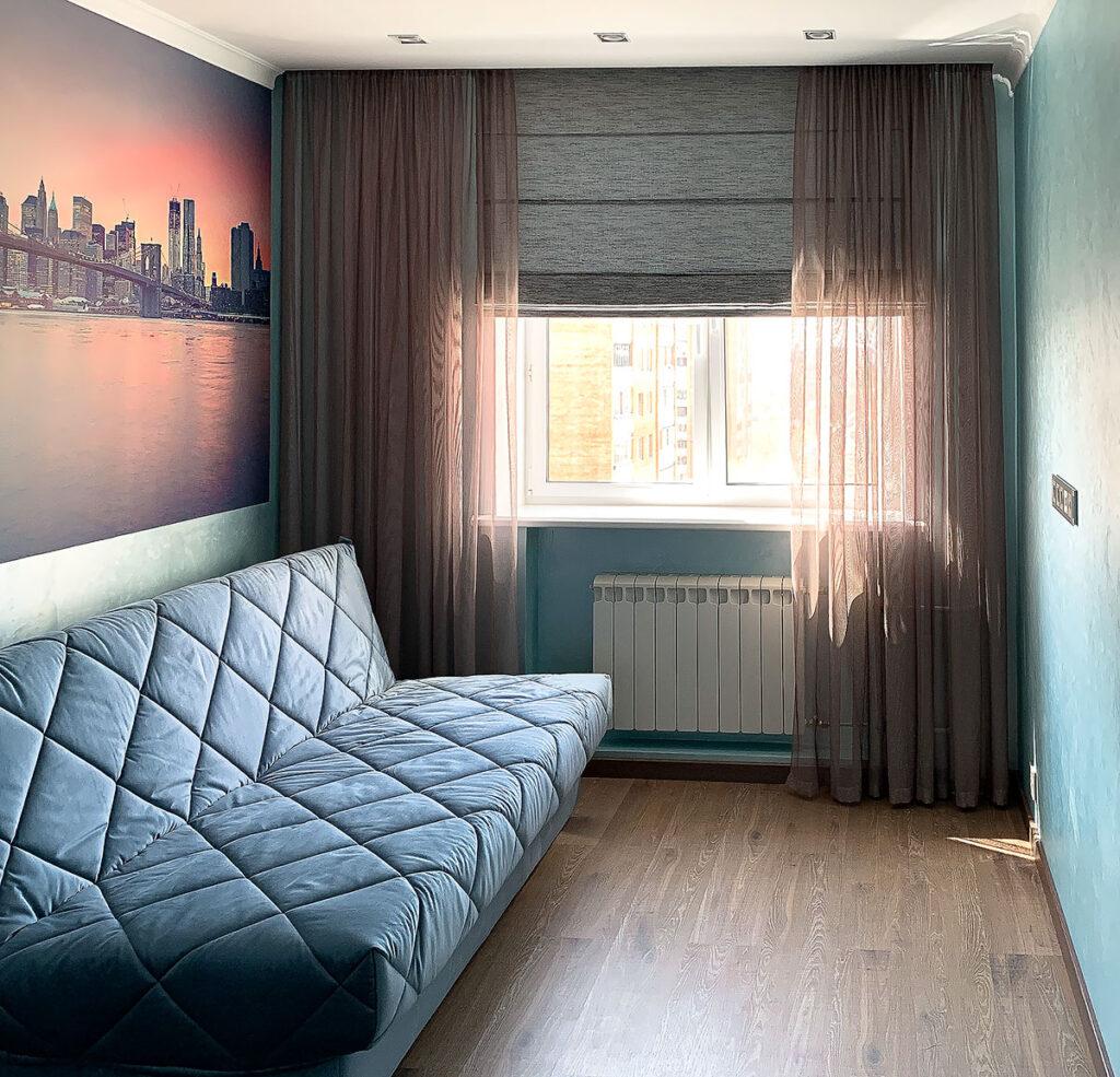 Тюль и римская штора в гостиную