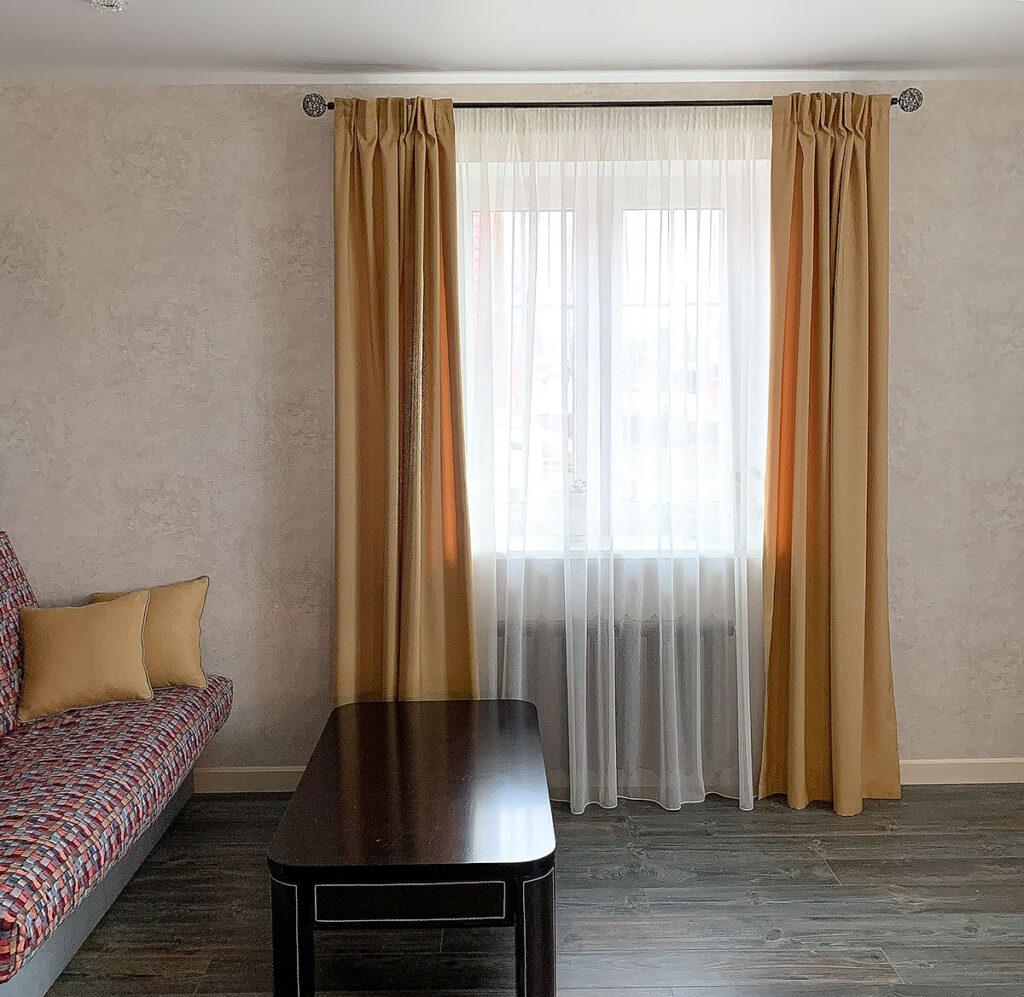 гостинная с красивым текстилем